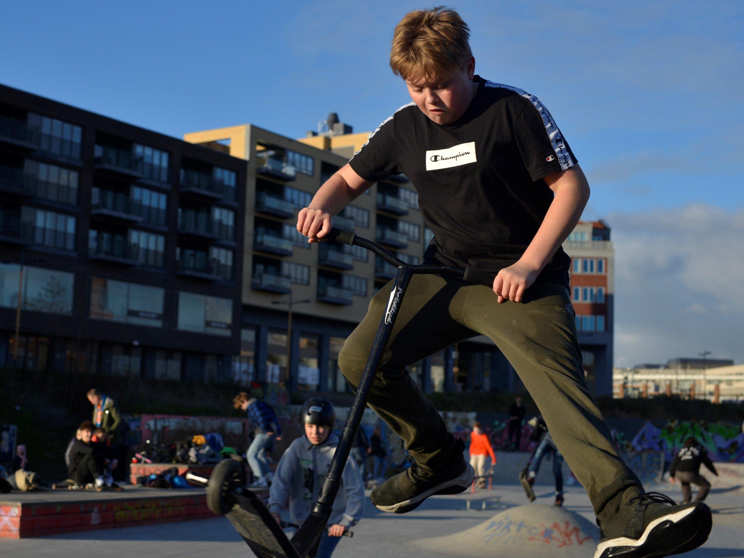 skaten in het skatepark